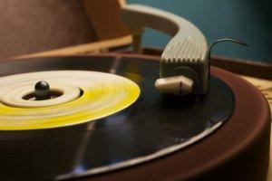 gramophone-2